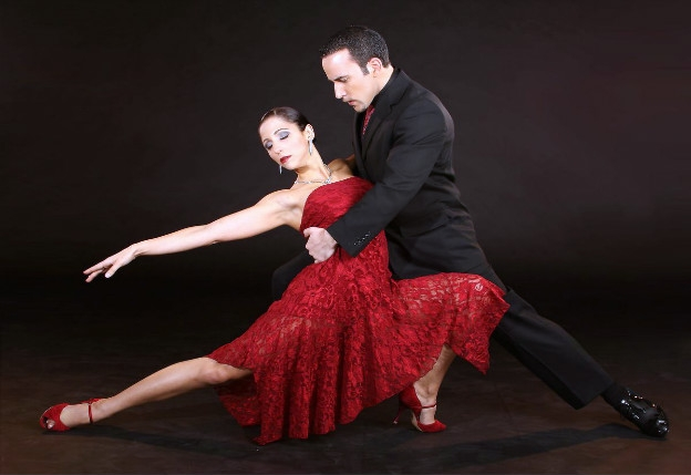 how to dance tango with music